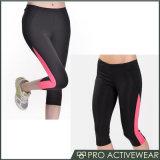 Frauen-Ausdehnung, die Crossfit athletische Eignung Capri Yoga-Hosen laufen lässt