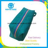A cor lavada forma do Zipper do dobro de pano compo o saco