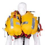 Gelbe aufblasbare Schwimmweste Watersports