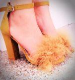 Sapatas elegantes das sandálias do salto do bloco da cinta do tornozelo do dedo do pé da espreitadela das mulheres