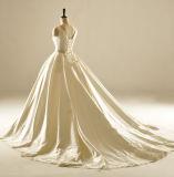 ボートの首のプリーツのスカートの婚礼衣裳