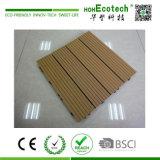 素晴らしい連結の木製のプラスチック合成台地のデッキのタイル