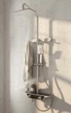 Mélangeur thermostatique fixé au mur de douche avec la grande plate-forme