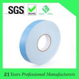 Weißes doppeltes mit Seiten versehenes anhaftendes Schaumgummi-acrylsauerband mit blauer Zwischenlage