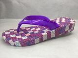Мягкие Flops Flip PVC/Pcu с цветастой планкой студня и пурпуровой подошвой (24ML1710)