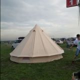 Im Freien kampierendes Rundzelt mit Qualität