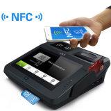 Terminal financier de paiement de contact avec le lecteur de cartes de côté