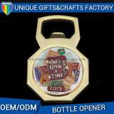 Le logo a personnalisé l'ouvreur de bouteille plaqué par or en métal d'ouvreur de bière
