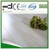 le chêne 1-Stripe cendré Eir de 12mm V-A taillé le plancher européen de stratifié d'épreuve de l'eau de type