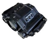 ハンチングを起す手持ち型の二重上昇温暖気流及び日光イメージ投射双眼鏡(PVR75)を