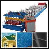 機械を形作る艶をかけられたタイル屋根のパネルロール