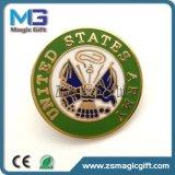 Heiße Verkäufe stempelten Decklackmetall kundenspezifisches Pin-Abzeichen