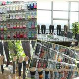 Straßen-Form-Art-Männer kleiden unsichtbare Socke