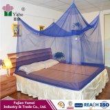 長方形の殺虫剤によって扱われるカのベッドのネット