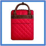 高品質の工場ナイロンラップトップのブリーフケース袋、13人のインチによってカスタマイズされる耐久の女性ラップトップのハンド・バッグ