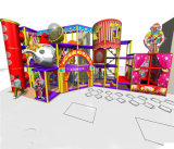 Campo de jogos interno temático do circo do divertimento do elogio
