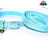 Couleur de haute qualité Hot-Sale Multi imprimé de polyester/nylon laisse et collier avec petite cloche