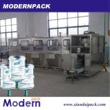 5 галлонов разливая машинное оборудование по бутылкам продукции минеральной вода заполняя