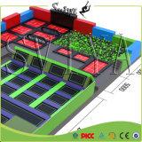 Saut en hauteur a approuvé ce meilleur des jeux olympiques de gymnastique Trampoline Park