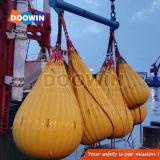 Teste de carga da grua sacos de peso de água