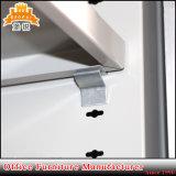 Rodillo de plástico de puerta de persiana metálica en el armario archivador