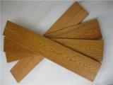 変形の骨董品によってブラシをかけられるカシの純木の床への自然な抵抗