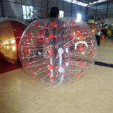 Pelota de parachoques inflable en el suelo