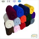 Красочные полярных флис одеяло с зигзаг кромки