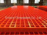 FRP/GRP/Fiberglas는 Chequre 매끄러운 윗 표면 또는 격판덮개로 플라스틱 격자판을 강화한다