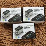 O oxímetro o mais atrasado do pulso da ponta do dedo da alta qualidade com CE, aprovaçã0 do FDA