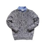 Graue gesponnene Muster-Pullover-Stereostrickjacke