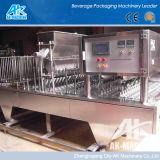 L'eau minérale gelée automatique de la cuvette de remplissage de la cuvette de la machine d'étanchéité et étanchéité de la machine de remplissage