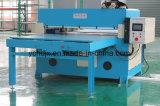 Máquina que corta con tintas modificada para requisitos particulares de la parte superior de zapato de cuatro columnas
