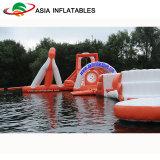 Giochi di galleggiamento della sosta dell'acqua del ricorso del lago, grande sosta gonfiabile del Aqua