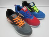 El calzado colorido de EVA del estilo del verano del deporte del diseño de la manera con la parte superior respirable del acoplamiento calza la zapatilla de deporte