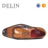 2018台のイタリアの方法人の靴革の履物