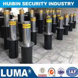 引き込み式油圧ボラードに警告する自動機密保護車の駐車