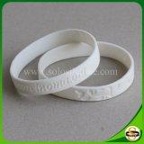 Wristband su ordinazione del silicone di marchio di Debossed di modo