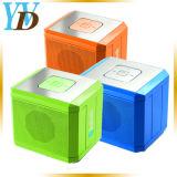 Control remoto inalámbrico mini altavoces Bluetooth cuadrados de color (YWD-Y28).