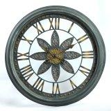 Orologio artistico antico classico del metallo