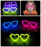Un'incandescenza specifica alla moda dei 2015 occhiali di Foilbag nello scuro