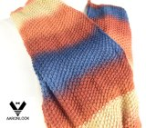 Sciarpa lavorata a maglia acrilica di infinità di Ombre di inverno delle donne