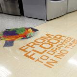 Decalcomanie stampate del pavimento tagliate abitudine dell'autoadesivo del pavimento del vinile dei grafici del pavimento