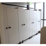 A boa qualidade HPL cobre o compartimento da divisória do toalete com acessórios de nylon