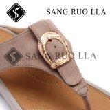 Chaussures de santal de femmes