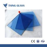 """Radura, bronzo, verde, azzurro, comitato dentellare del vetro """"float"""" per la finestra della costruzione"""