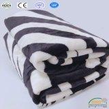 La coperta della banda della zebra della manovella della presa dell'assestamento per l'adulto scherza il tovagliolo /Bed/Chair del sofà