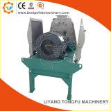 Usine un broyeur à marteaux de bois d'alimentation de la machine de meulage
