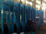 De golf Cleat van de Zijwand Transportband die van de Raad van de Verdeling RubberHet Vulcaniseerapparaat van de Pers genezen