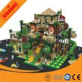 Центр игры привлекательных новых детей спортивной площадки парка атракционов конструкции крытый